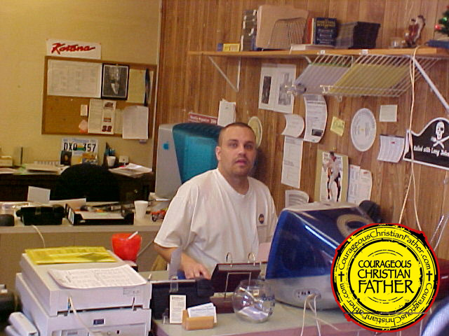 Steve At Work at The Knoxville Journal (March 23, 2004)