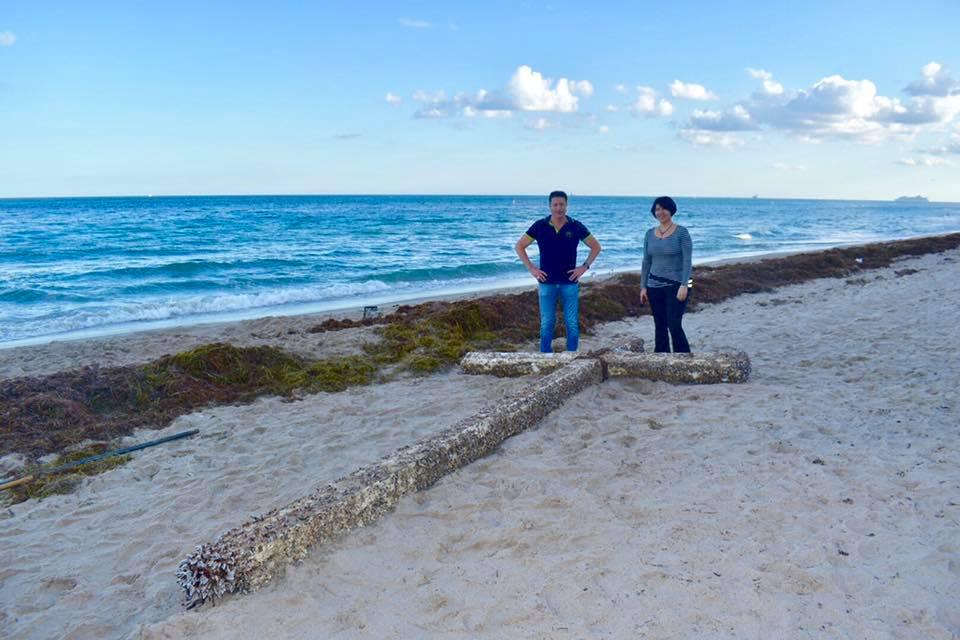 beach at The Ocean Manor Beach Resort in Fort Lauderdale, FL