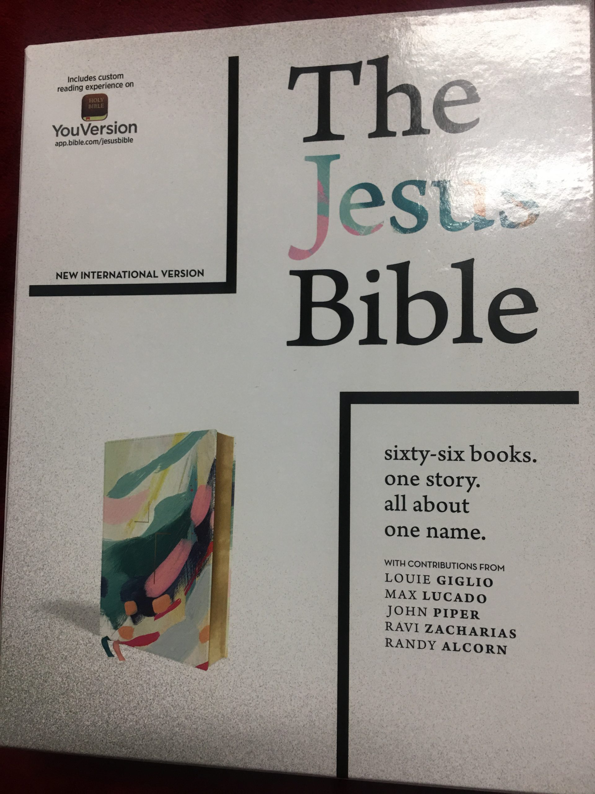 The Jesus Bible Artist Edition Review. A review of the Zondervan Bible. #BibleGatewayPartner #BGBG2